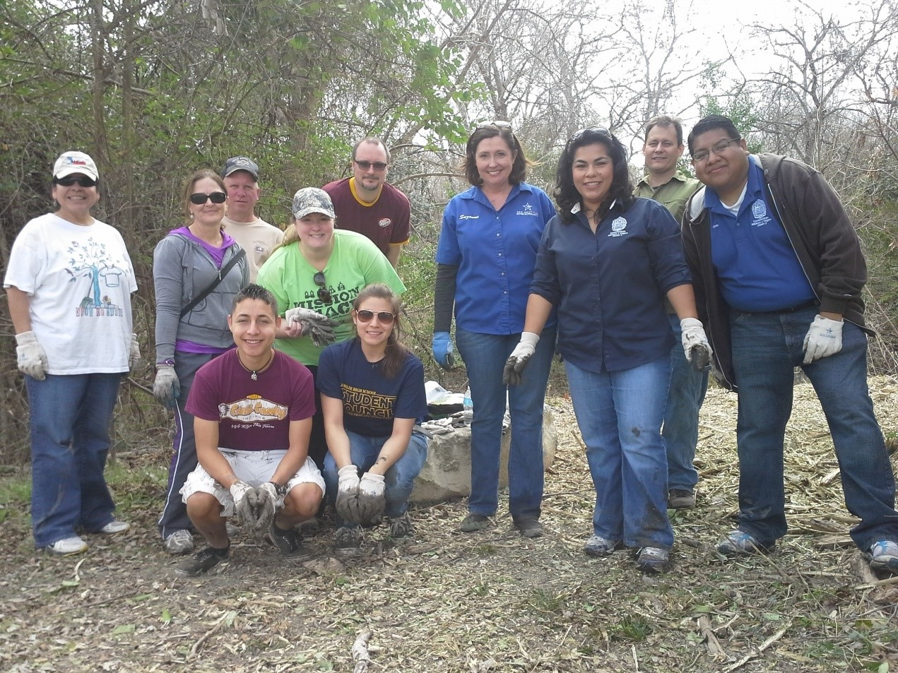 Volunteering with River Authority staff, River Warriors and District 3 Councilwoman Rebecca Viagran's office at the annual Basura Bash River and Waterway Cleanup event.