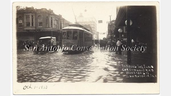 A flooded road in 1913
