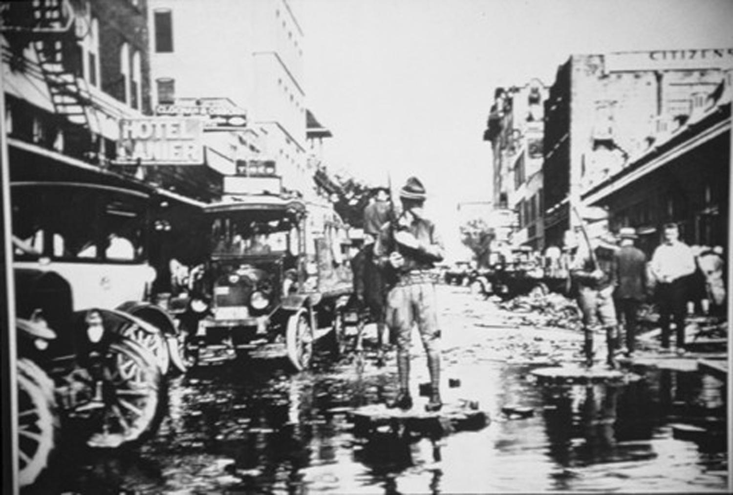 Downtown San Antonio, flood of 1921