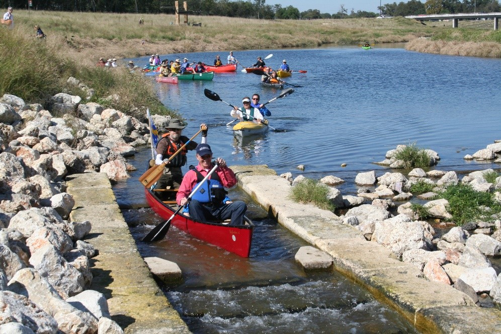 Paddlers on the Mission Reach Paddling Trail