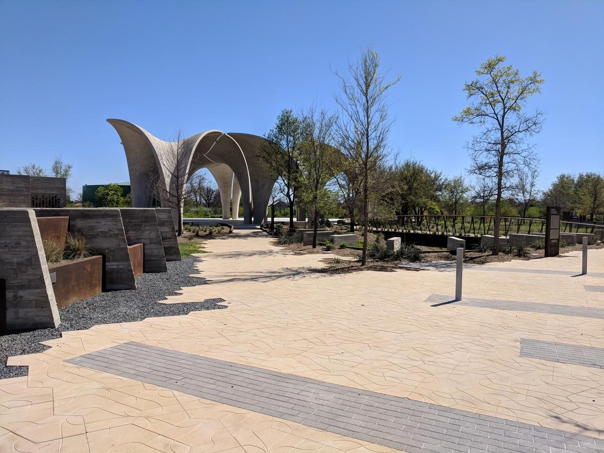 Confluence Park has many integrated Green Infrastructure features throughout the grounds.